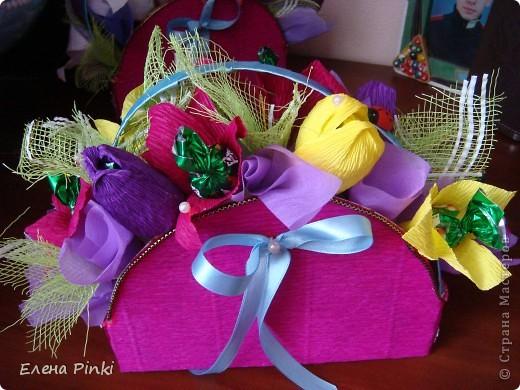 Добрый день дорогие жители страны!!!Вот еще букетики к 8 марта...все в одинаковых цветах, т.к. цветочки приготавливались на очень скорую руку и времени на разнообразие совсем не было!Все было сделано оптом=)) фото 6