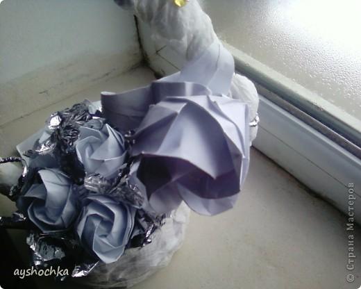 Вот такая корзиночка с розами...Надеюсь маме понравиться на 8 марта.....!!! Кстати, всех женщин, девушек, девочек с наступающим международным женским днем!!! фото 6