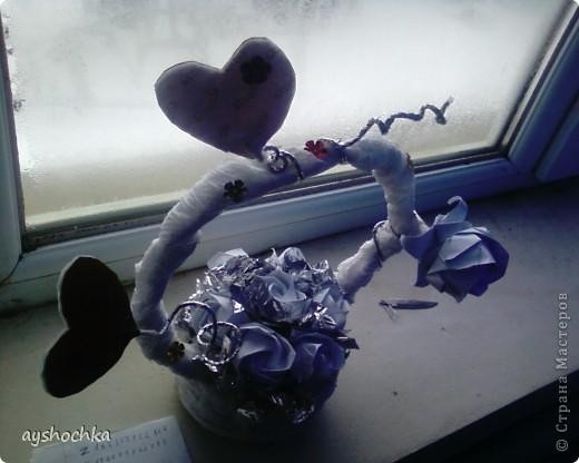 Вот такая корзиночка с розами...Надеюсь маме понравиться на 8 марта.....!!! Кстати, всех женщин, девушек, девочек с наступающим международным женским днем!!! фото 4
