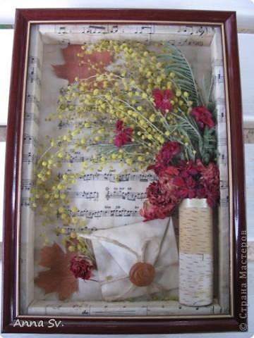 Вот такая картина у меня получилась из сухих цветов оставшихся после 8 марта. фото 11