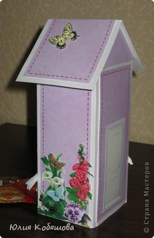 Этот домик сделала для преподавательницы моей Дашеньки. Получился он вот такой в розовых тонах с яркими пятнами в виде 3D цветочков, птичек и бабочек. Это один бочёк... фото 5