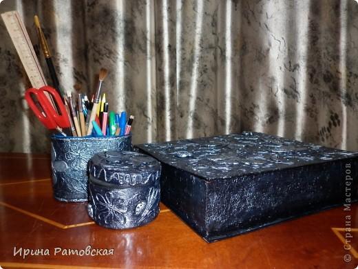 """Сделала я себе на работу вот такой офисный наборчик  в технике """"пейп-арт"""" Тани Сорокиной. Из папки, которую показывала здесь https://stranamasterov.ru/node/323391 получилась  Книга- шкатулка  для офисной бумаги. Целиком пачка помещается. Внутренние стенки делала из картона, купленного в художественном магазине.  фото 7"""