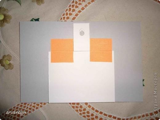 Здравствуйте. Такие рамки получаются из паспарту.   Паспарту подходит по нескольким причинам: недорого (мал. 30, средн. 60), материал (картон) , малый вес, широкие края (есть где развернуться), и ... а почему бы нет?  Материал: Бумага для квиллинга и бумага для принтера цветная, картон, ПВА, липучки.   Рамка 1 фото 11