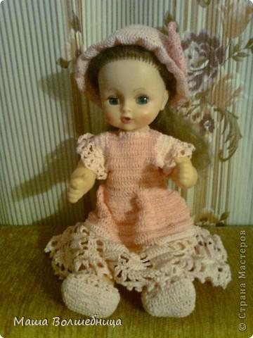 Карина собралась на прогулку и надела новое платье, шляпку и балетки. Вот так здорово Карина погуляла в прекрасной Стране. фото 1