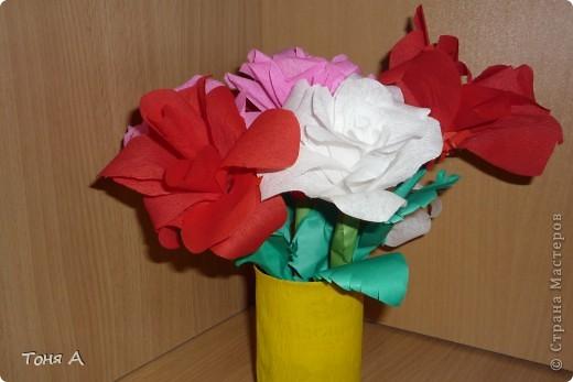 Цветочки к 8 марта!Цветы из пластиковых стаканчиков! фото 5
