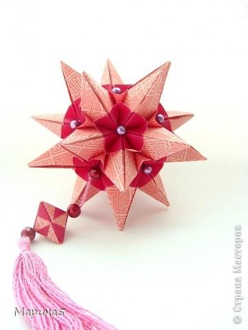 """Всем привет! Кусудама Flower Star. Автор Meenakshi Mukerji Из книги """"Exquisite Modular Origami"""" стр.48-50 Размер модулей 10 на 5, итог 10 см. фото 1"""