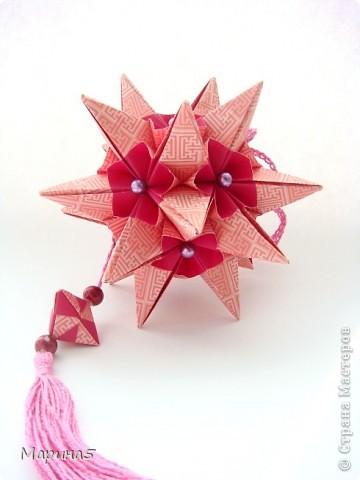 """Всем привет! Кусудама Flower Star. Автор Meenakshi Mukerji Из книги """"Exquisite Modular Origami"""" стр.48-50 Размер модулей 10 на 5, итог 10 см. фото 3"""