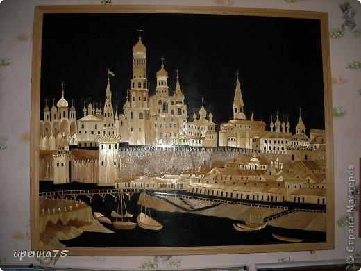 Когда-то давно, ещё будучи студенткой Рязанского ГПУ, увлеклась картинами из соломки. Многое из того, что было сделано, раздарила, даже фотографий не осталось. Некоторые работы делала на заказ в подарок. Вот то, что у меня на сей день осталось. Рязанский Кремль. фото 7
