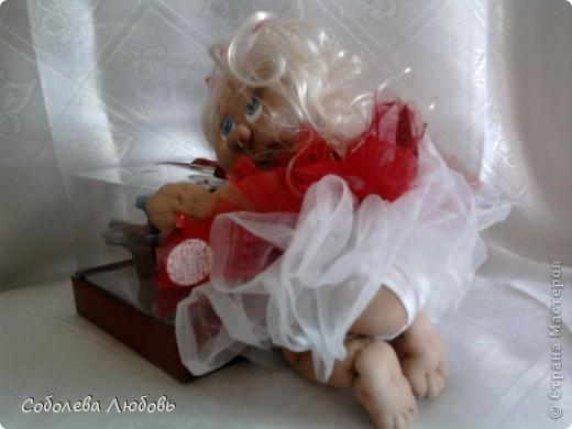 Малышка с подарком фото 2