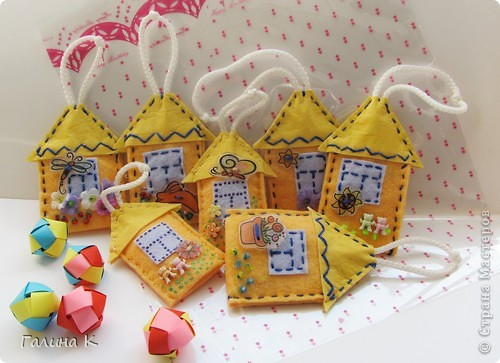 Домики для ключей. Сделаны были в подарок к празднику. Получилась целая Деревенька) фото 1