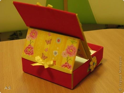 Очень понравилась подставка-календарь от Тинсанна (https://stranamasterov.ru/node/322171#comment-3451905), решили с дочкой учителей порадовать - подарки к празднику сделать. Получилось аляповато, зато по-весеннему - буйство красок:)))  фото 7