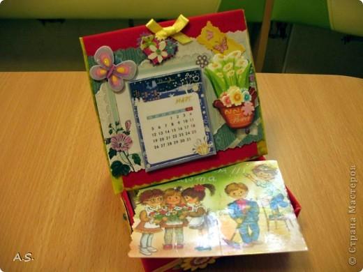 Очень понравилась подставка-календарь от Тинсанна (https://stranamasterov.ru/node/322171#comment-3451905), решили с дочкой учителей порадовать - подарки к празднику сделать. Получилось аляповато, зато по-весеннему - буйство красок:)))  фото 8
