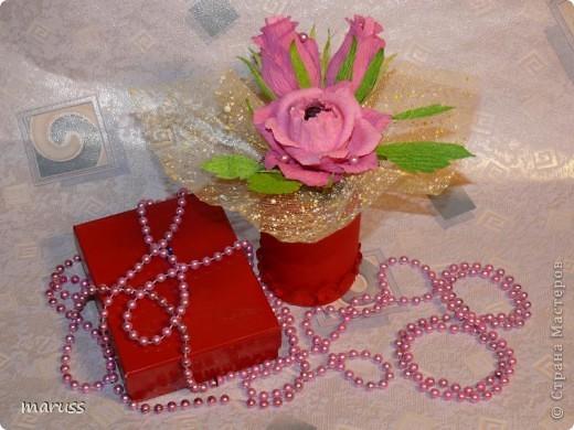Всех рукодельниц поздравляю с праздником 8 марта! Будьте всегда красивыми,здоровыми и счастливыми.Пусть каждый день вам улыбается удача. А ваши любимые пусть носят вас на руках, любят, ценят, готовят завтраки в постель и дарят цветы! Пусть приятными моментами будут букеты цветов – миллионы роз, тысячи мимоз. Пусть не хватает полочек для подарков и вазочек для конфет! фото 2