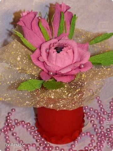 Всех рукодельниц поздравляю с праздником 8 марта! Будьте всегда красивыми,здоровыми и счастливыми.Пусть каждый день вам улыбается удача. А ваши любимые пусть носят вас на руках, любят, ценят, готовят завтраки в постель и дарят цветы! Пусть приятными моментами будут букеты цветов – миллионы роз, тысячи мимоз. Пусть не хватает полочек для подарков и вазочек для конфет! фото 1