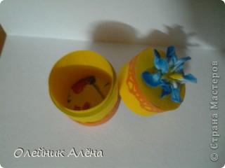 шкатулка сделана из бобины от скотча, цветы сделала сама по МК http://asti-n.ya.ru/replies.xml?item_no=550,  фото 5