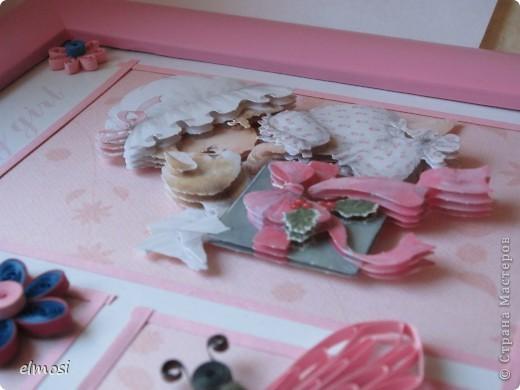 """Всем здравствуйте. Представляю свою новую работу, где совмещены квиллинг и 3D декупаж. Работа предназначена на день рождения маленькой трёхлетней девочке. Мне показалось, что картинка должна быть нежной, детской, немного воздушной. Отсюда и бабочка,как символ лёгкости, беспечности. Этимологический словарь говорит о том, что когда-то давно слово """"бабочка"""" означало """"маленькая колдунья"""". Это ли не чудо, колдовство, когда на свет появляются крошечные создания - наши дети. Это ли не чудо - видеть как они растут, каждый день постигая тайны бытия и как вместе с ними становимся мудрее мы-взрослые. фото 3"""