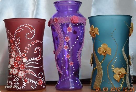 здравствуйте всем! я тоже с подарками! крайние вазы были куплены такого цвета и матовые, а средняя прозрачная цветная фото 1