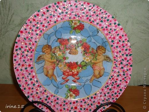 Очень понравилось рисовать солнышко на тарелке.Эту тарелочку делала на заказ для мамы.Она осталась очень довольна. фото 3