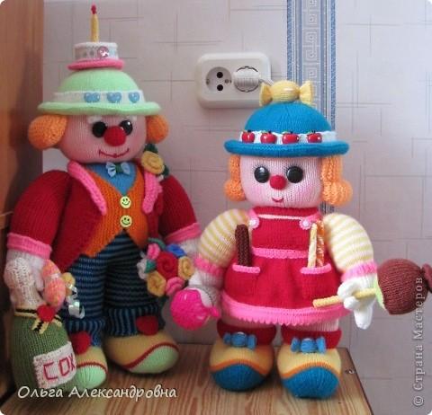 Вот такая клоунесса Сладкоежка у меня только что связалась.  фото 11