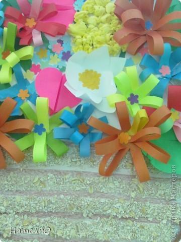 Вот такую корзину с цветами мы подарили нашим мамам! Ребятишки 5-6 лет очень трепетно и с любовью отнеслись к этой работе.  фото 2