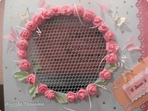 """открытка """"С 8 марта"""" учительнице. Делали недолго- около 2 часов, самое длительное по времени- квиллинговые розы, они из тонкой гофры. фото 3"""