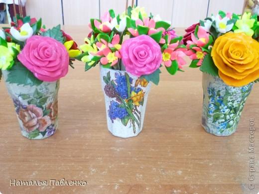 Здравствуйте, уважаемые мастерицы! Вот задалась идеей сделать к празднику букеты цветов.  фото 9