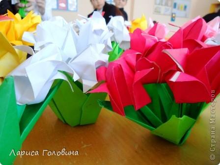 Увидела у allasol чудесные букетики тюльпанов,  https://stranamasterov.ru/node/322387?c=favorite которые эффектно смотрятся  и легко смогут выполнить дети. получился чудесный подарок на праздник. Спасибо, Алла, за идеи. фото 2