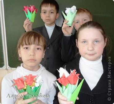 Увидела у allasol чудесные букетики тюльпанов,  https://stranamasterov.ru/node/322387?c=favorite которые эффектно смотрятся  и легко смогут выполнить дети. получился чудесный подарок на праздник. Спасибо, Алла, за идеи. фото 8