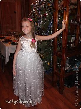 Сшила платье на утренник дочке ну и тоже похвастаюсь нашим утренником