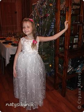 вот такое платье сшила я своей дочурке на утренник в школу
