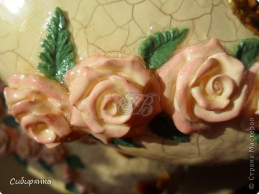 """Приветствую всех жителей """"Страны мастеров""""!  Хочу показать вам вазу из папье-маше.Это первое моё творение и сделана она, для украшения моего интерьера. Высота вазы 60см, в диаметре 25см. Очень хотелось приблизить к фарфору, но навыка нет. Натуральный цвет, сфотографировать мне не удалось. фото 18"""