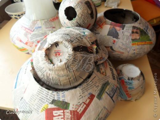 """Приветствую всех жителей """"Страны мастеров""""!  Хочу показать вам вазу из папье-маше.Это первое моё творение и сделана она, для украшения моего интерьера. Высота вазы 60см, в диаметре 25см. Очень хотелось приблизить к фарфору, но навыка нет. Натуральный цвет, сфотографировать мне не удалось. фото 4"""
