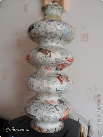 """Приветствую всех жителей """"Страны мастеров""""!  Хочу показать вам вазу из папье-маше.Это первое моё творение и сделана она, для украшения моего интерьера. Высота вазы 60см, в диаметре 25см. Очень хотелось приблизить к фарфору, но навыка нет. Натуральный цвет, сфотографировать мне не удалось. фото 5"""