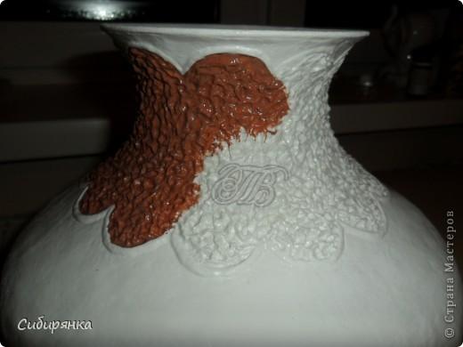 """Приветствую всех жителей """"Страны мастеров""""!  Хочу показать вам вазу из папье-маше.Это первое моё творение и сделана она, для украшения моего интерьера. Высота вазы 60см, в диаметре 25см. Очень хотелось приблизить к фарфору, но навыка нет. Натуральный цвет, сфотографировать мне не удалось. фото 11"""