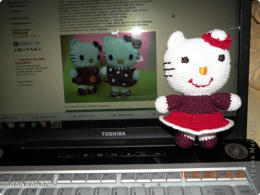 http://kru4ok.ru/master-klass-po-vyazaniyu-amigurumi-hello-kitty/  вот МК...спасибо огромное фото 3