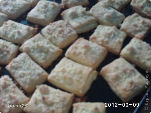 """Здесь два вида печенья, то что сверху- """"Ракушки"""", а то что снизу-это как раз то печенье о котором пойдёт речь.Печенье получается очень нежное, чем то напоминает слоечку, но только слоечка рассыпается, а это печенье нет. фото 13"""