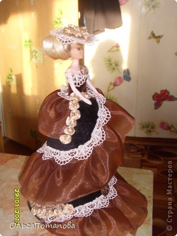 Все куклы созданы по мастер классам ineska https://stranamasterov.ru/node/128514 и Ксения 2010 https://stranamasterov.ru/node/208355. Украшала правда, используя собственную фантазию.  фото 6
