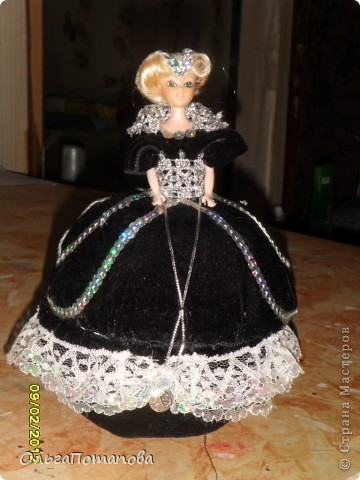 Все куклы созданы по мастер классам ineska https://stranamasterov.ru/node/128514 и Ксения 2010 https://stranamasterov.ru/node/208355. Украшала правда, используя собственную фантазию.  фото 12
