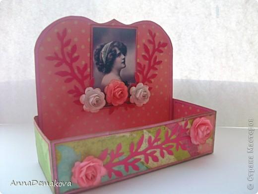 Сделала вот такие коробочки для чая. А вообще то их можно использовать и под всякие разные нужные штучки - пуговички, цветочки, булавки, даже под бижутерию. Как захочется. фото 1