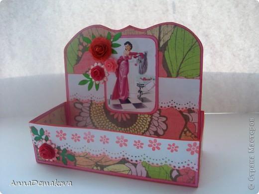 Сделала вот такие коробочки для чая. А вообще то их можно использовать и под всякие разные нужные штучки - пуговички, цветочки, булавки, даже под бижутерию. Как захочется. фото 4