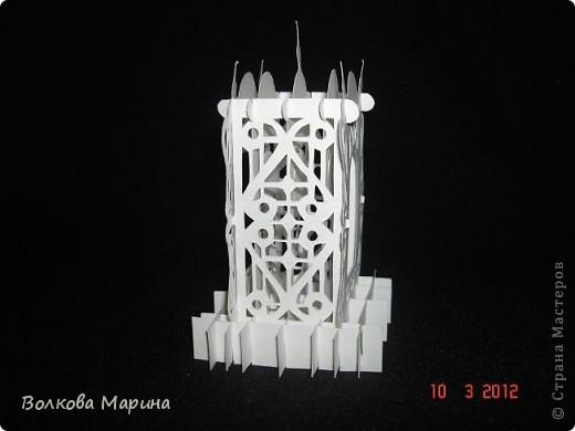 Это разновидность киригами. Из бумаги делаются объёмные изделия (имеющие сетчатую структуру), при этом их можно легко сложить и они будут плоские как лист бумаги. Так же легко восстанавливают свой объёмный вид. Очень удобно использовать в поздравительных открыточках. Я решила собрать коллекцию. Можно сказать это образцы для будующих работ.  фото 3