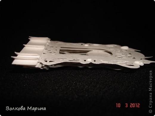 Это разновидность киригами. Из бумаги делаются объёмные изделия (имеющие сетчатую структуру), при этом их можно легко сложить и они будут плоские как лист бумаги. Так же легко восстанавливают свой объёмный вид. Очень удобно использовать в поздравительных открыточках. Я решила собрать коллекцию. Можно сказать это образцы для будующих работ.  фото 7