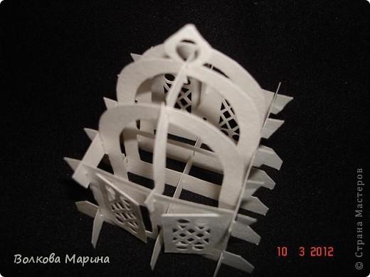 Это разновидность киригами. Из бумаги делаются объёмные изделия (имеющие сетчатую структуру), при этом их можно легко сложить и они будут плоские как лист бумаги. Так же легко восстанавливают свой объёмный вид. Очень удобно использовать в поздравительных открыточках. Я решила собрать коллекцию. Можно сказать это образцы для будующих работ.  фото 10