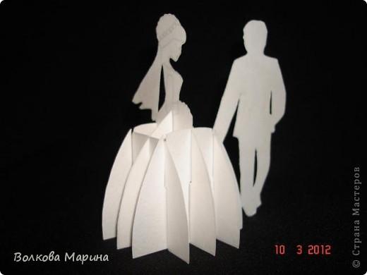 Это разновидность киригами. Из бумаги делаются объёмные изделия (имеющие сетчатую структуру), при этом их можно легко сложить и они будут плоские как лист бумаги. Так же легко восстанавливают свой объёмный вид. Очень удобно использовать в поздравительных открыточках. Я решила собрать коллекцию. Можно сказать это образцы для будующих работ.  фото 13
