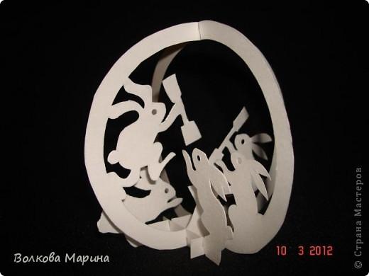Это разновидность киригами. Из бумаги делаются объёмные изделия (имеющие сетчатую структуру), при этом их можно легко сложить и они будут плоские как лист бумаги. Так же легко восстанавливают свой объёмный вид. Очень удобно использовать в поздравительных открыточках. Я решила собрать коллекцию. Можно сказать это образцы для будующих работ.  фото 23