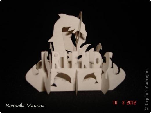 Это разновидность киригами. Из бумаги делаются объёмные изделия (имеющие сетчатую структуру), при этом их можно легко сложить и они будут плоские как лист бумаги. Так же легко восстанавливают свой объёмный вид. Очень удобно использовать в поздравительных открыточках. Я решила собрать коллекцию. Можно сказать это образцы для будующих работ.  фото 36