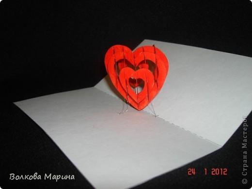 Это разновидность киригами. Из бумаги делаются объёмные изделия (имеющие сетчатую структуру), при этом их можно легко сложить и они будут плоские как лист бумаги. Так же легко восстанавливают свой объёмный вид. Очень удобно использовать в поздравительных открыточках. Я решила собрать коллекцию. Можно сказать это образцы для будующих работ.  фото 77