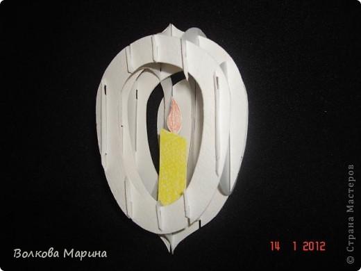 Это разновидность киригами. Из бумаги делаются объёмные изделия (имеющие сетчатую структуру), при этом их можно легко сложить и они будут плоские как лист бумаги. Так же легко восстанавливают свой объёмный вид. Очень удобно использовать в поздравительных открыточках. Я решила собрать коллекцию. Можно сказать это образцы для будующих работ.  фото 81