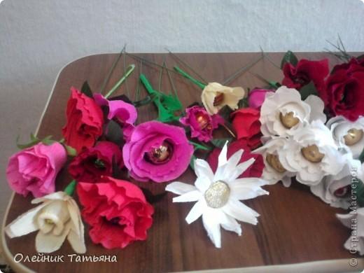 В эти цветочки спрятаны конфетки  К сожалению, я недавно на сайте, поэтому мастер класс не снимала фото 10