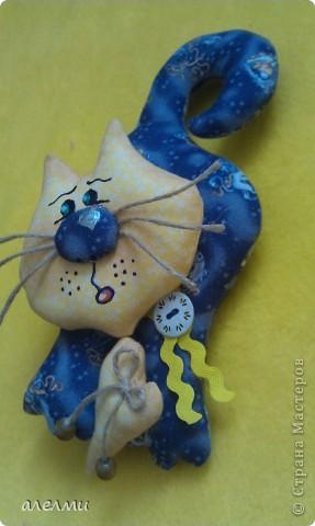 Вот такой кофейный, летящий котик у меня родился за выходные!  Ситцевый, украшен кофейными зёрнами и деревянными пуговицами!  Очень надеюсь он Вам понравится!  фото 9